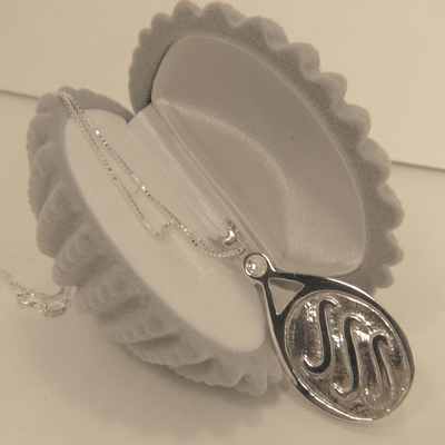 H2o Locket Featured In H2o Just Add Water Show
